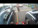 Инспектор ДПС против мотоциклиста.